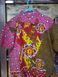 Kemeja Batik Bola